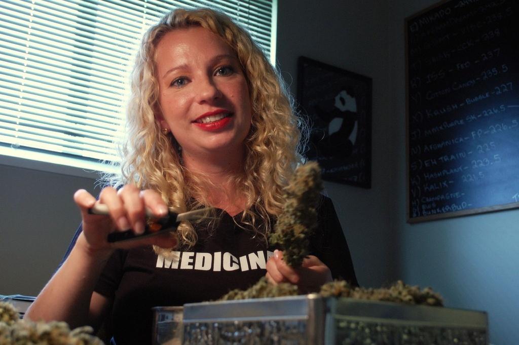 przycinacz-topow-marihuany