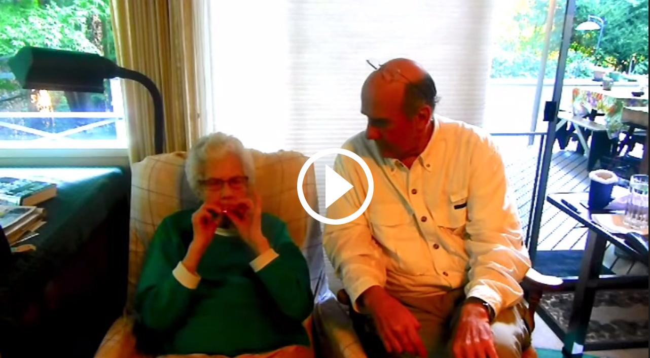 93-letnia-kobieta-pali-pierwszy-raz-jointa