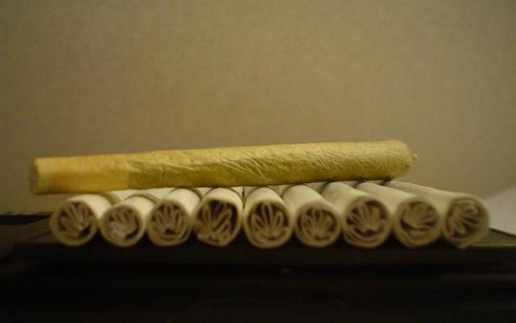 filterek do jointa w kształcie marihuany