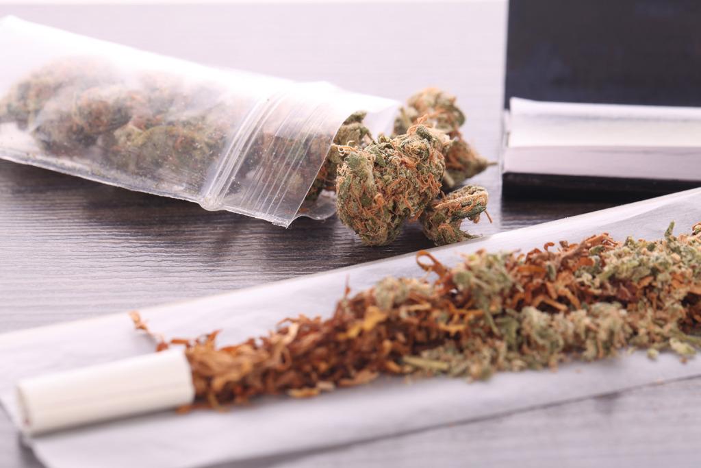 Palacze marihuany łączący ją z tytoniem są bardziej narażeni na uzależnienie