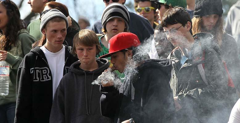 Używanie marihuany przez młodzież w Kanadzie najniższe od 10 lat