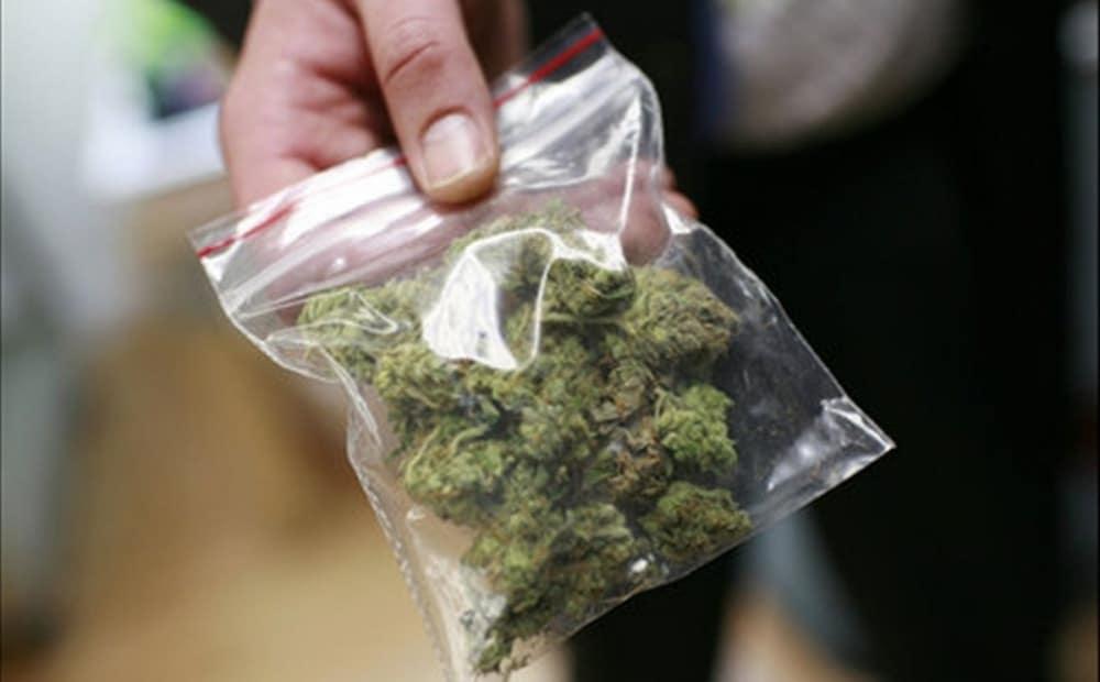 Wrocław: 17-latek wymachwiał torebką z marihuaną w środku miasta