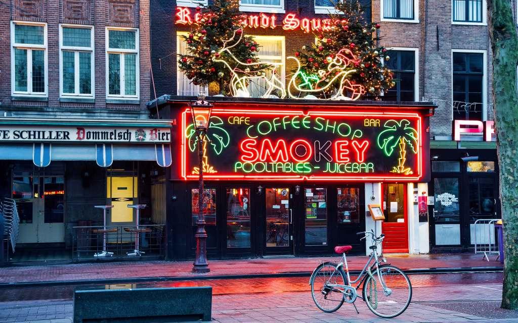Koniec coffee shopów jakie znamy. Właściciele kawiarni będą kupować marihuanę od licencjonowanych hodowców
