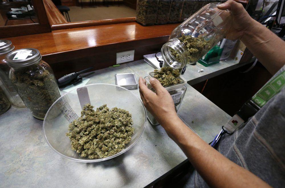 Pierwszy dzień legalnej sprzedaży marihuany w Illinois - 77,000 transakcji i ponad 3,2 miliony dolarów przychodu