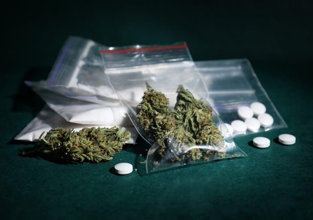 Jak covid-19 wpłynął na spożycie marihuany, alkoholu i narkotyków