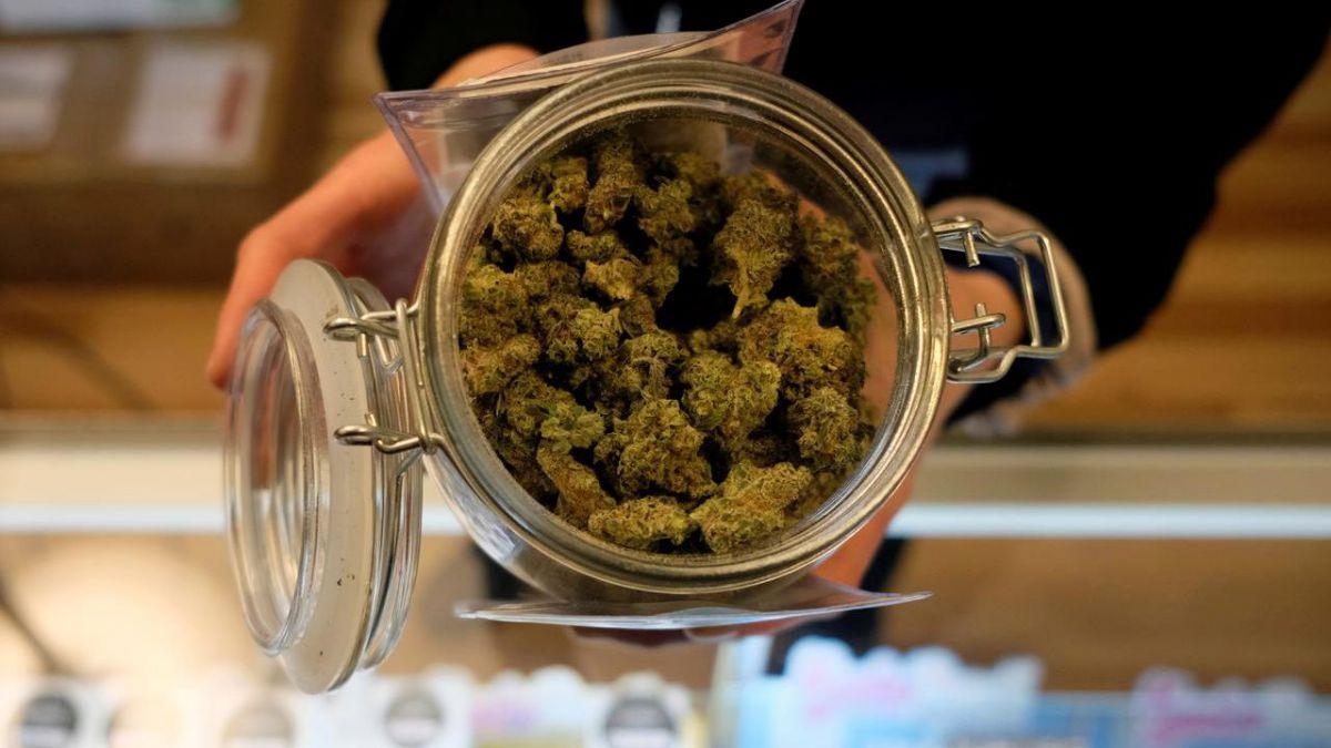 Illinois zarobiło pół miliarda dolarów w pierwszym roku legalnej sprzedaży marihuany